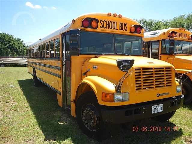 Lot # 4505 - 1998 INTERNATIONAL 3800