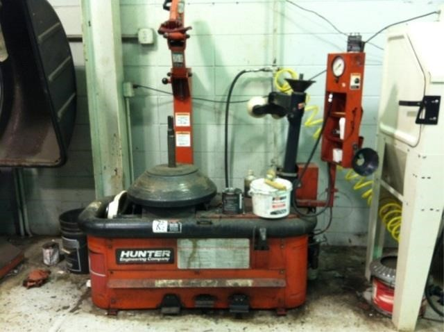 Hunter TC 2000 tire changer | Christys of Indiana