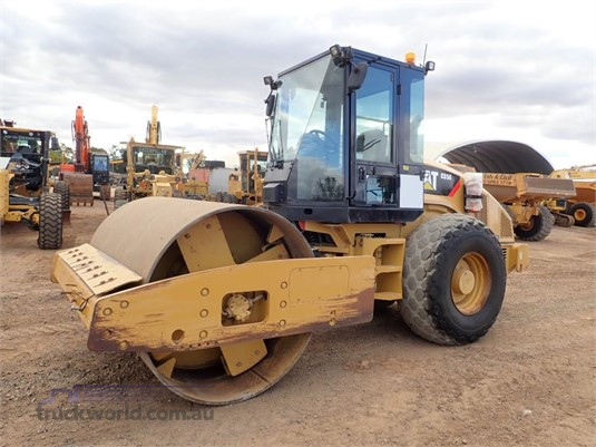 2010 Caterpillar CS56 - Heavy Machinery for Sale