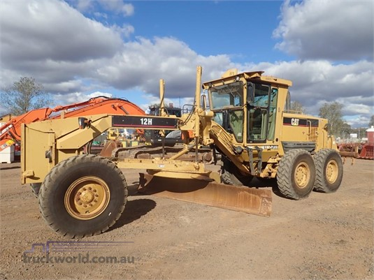 2004 Caterpillar 12H2 - Heavy Machinery for Sale