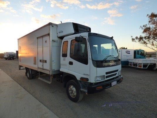 2005 Isuzu FRR 500 Long Trucks for Sale