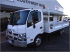 2016 Hino 300 Series 616 Auto Table / Tray Top Drop Sides