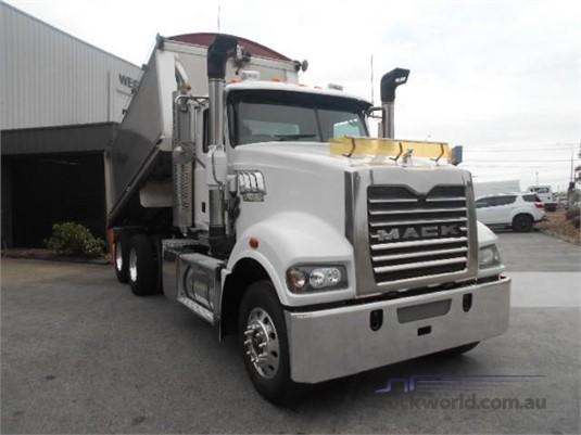 2012 Mack Trident Westar - Trucks for Sale