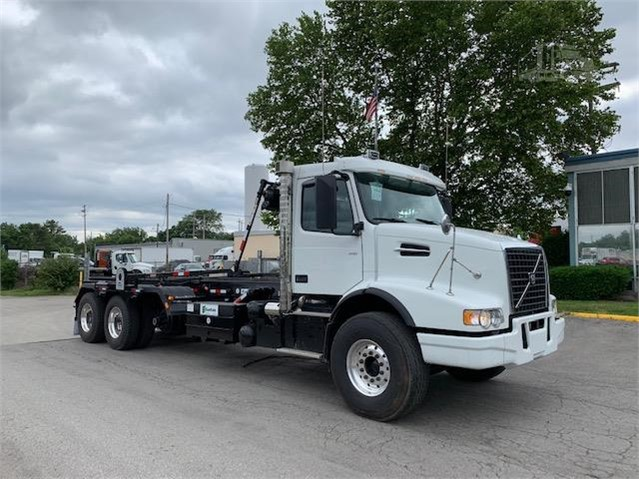 2019 Volvo Vhd64b300 For Sale In Columbus Ohio Truckpaper Com