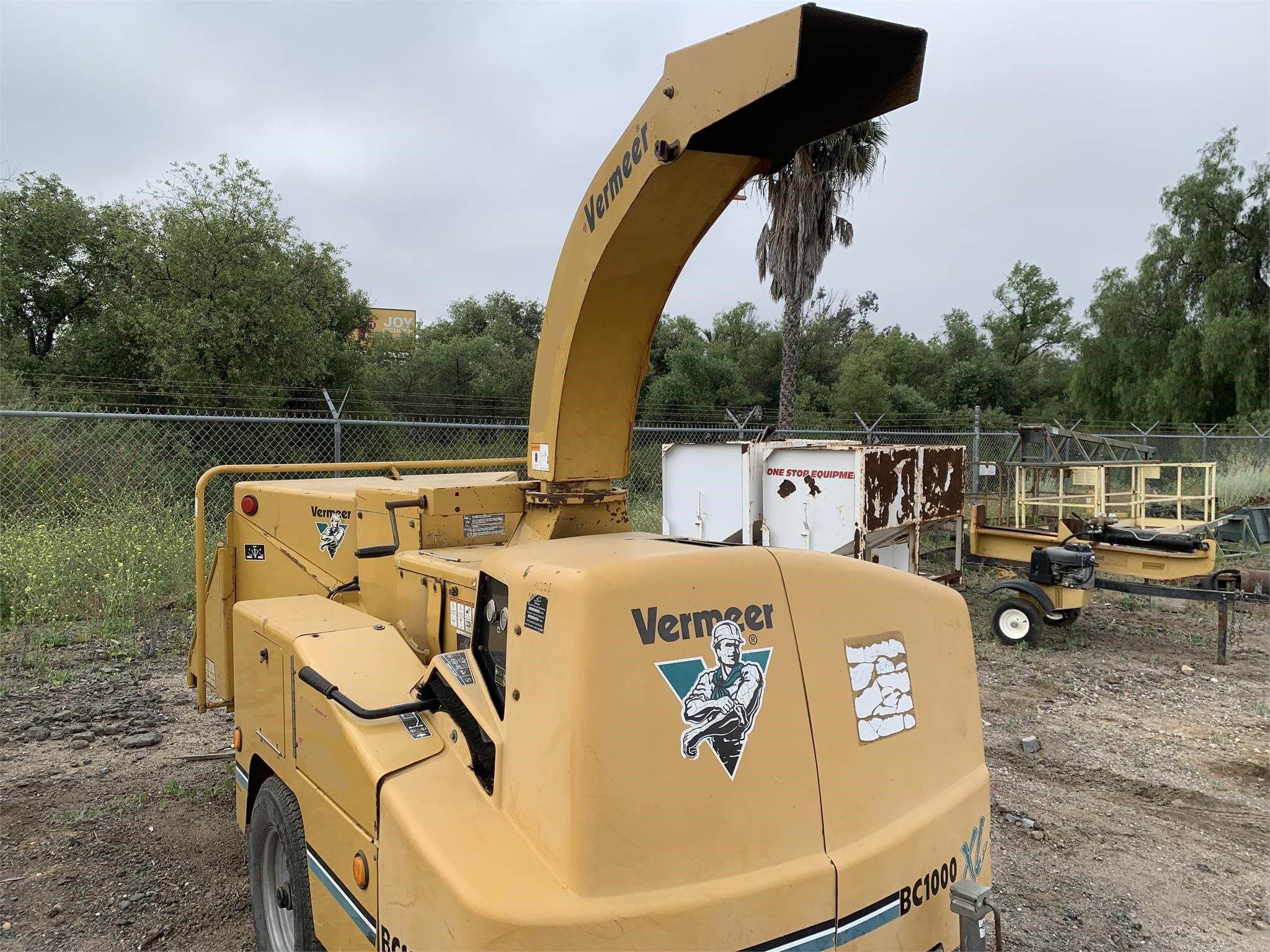 2005 VERMEER BC1000XL For Sale in Temecula, California