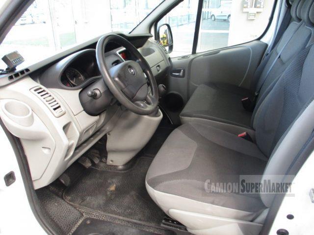 Opel VIVARO Usato 2012