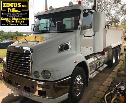 2013 Freightliner COLUMBIA 112 - Trucks for Sale