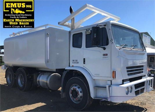2009 International Acco 2350G Trucks for Sale