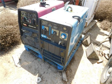 0210048) MILLER BOBCAT 250 GAS WELDING MACHINE (1 Other