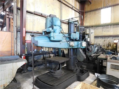 3984) Cincinstive Radial Arm Drill Located In Yar Other