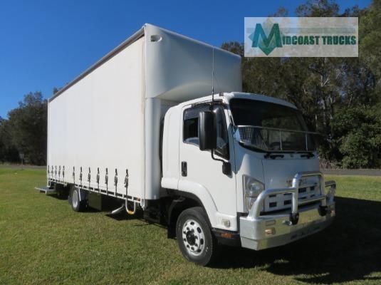 2011 Isuzu FSD850 Midcoast Trucks - Trucks for Sale