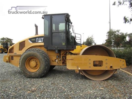 2009 Caterpillar CS56 - Heavy Machinery for Sale
