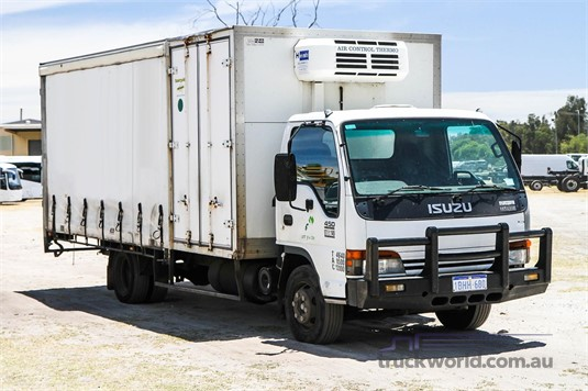 2002 Isuzu other WA Hino - Trucks for Sale