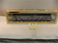 Online Auction - HO Trains and Buildings