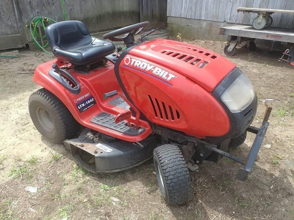 Troy Bilt Ltx 1842 Lawn Tractor Runs Good 45 Trice Auctions