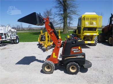 Trenchers / Boring Machines / Cable Plows For Sale In Clinton