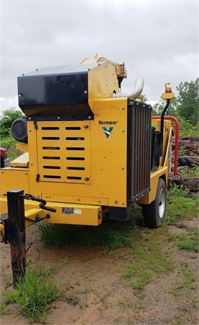 VERMEER BC1800XL Pull-Behind Wood Chippers Logging Equipment For