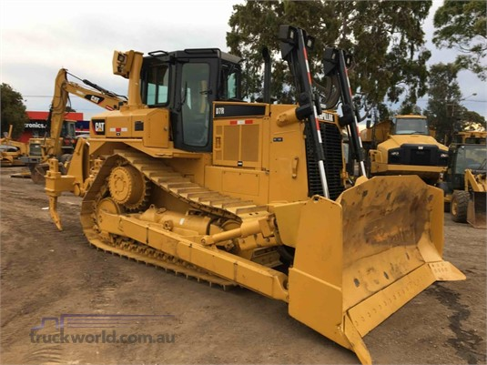 2013 Caterpillar D7R Heavy Machinery for Sale
