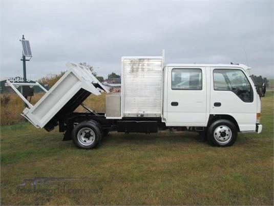 2002 Isuzu ELF - Trucks for Sale