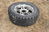 Tire & rim 35x13.5R20, 8 hole Dodge