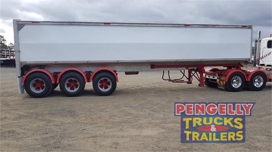 2017 Custom Grain Tipper Trailer Pengelly Truck & Trailer Sales & Service - Trailers for Sale