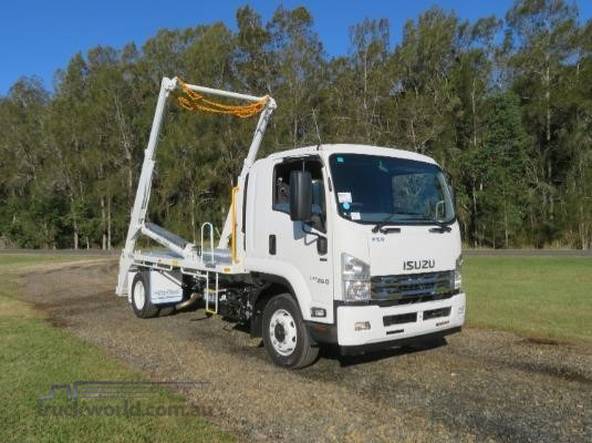 2019 Isuzu FSR 140 120-260 Auto MWB - Trucks for Sale