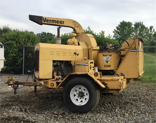 VERMEER BC1250 Wood Chippers Logging Equipment For Sale - 4