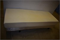 "Temper Pedic Bed on Casters 29""x80"" with Remote"