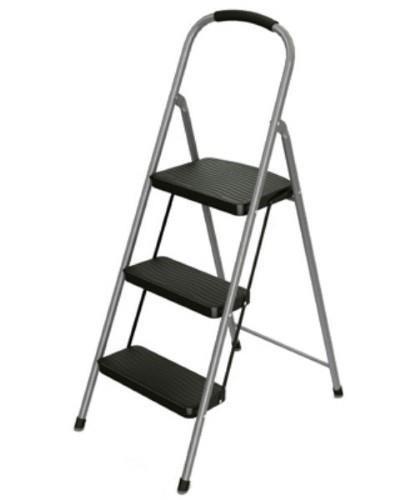 Astounding Rubbermaid Rms 3 3 Step Steel Step Stool Mariner Auctions Machost Co Dining Chair Design Ideas Machostcouk
