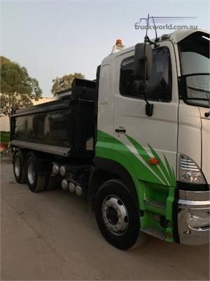 2010 Hino 700 Series 440 FS - Trucks for Sale