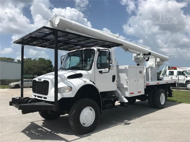 2007 FREIGHTLINER BUSINESS CLASS M2 106 For Sale In Sarasota, Florida