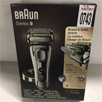 BRAUN SERIES 9 WET AND DRY SHAVER