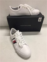 TOMMY HILFIGER WHITE SHOES SIZE 9M