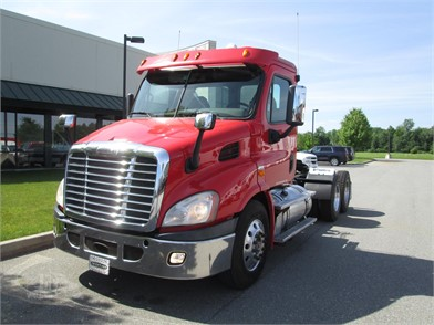 FREIGHTLINER Cascadia 113 Conventional Day Cab Trucks For