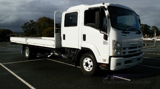 2008 Isuzu FRR 500 Crew Truck Traders WA  - Trucks for Sale