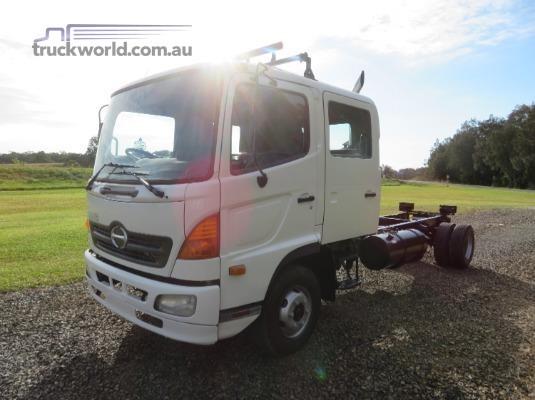 2004 Hino Ranger 6 FD Crew Trucks for Sale