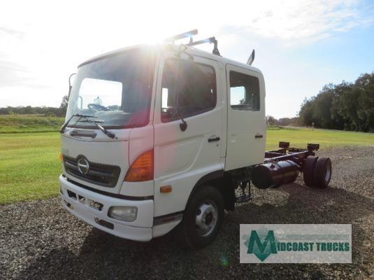 2004 Hino Ranger 6 FD Crew Midcoast Trucks - Trucks for Sale