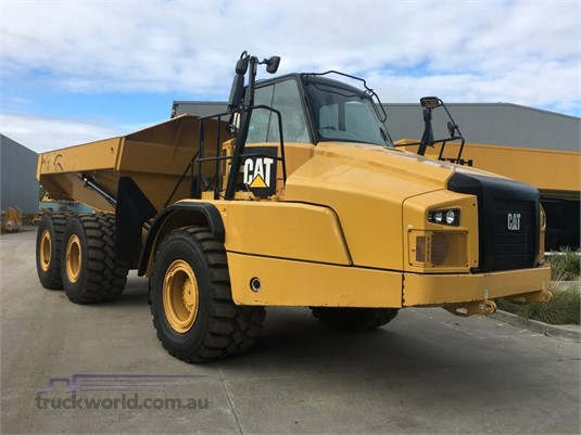2014 Caterpillar 735C Heavy Machinery for Sale