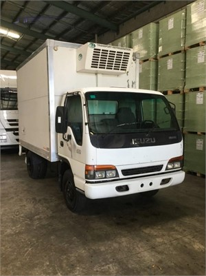 2000 Isuzu NPR 200 - Trucks for Sale