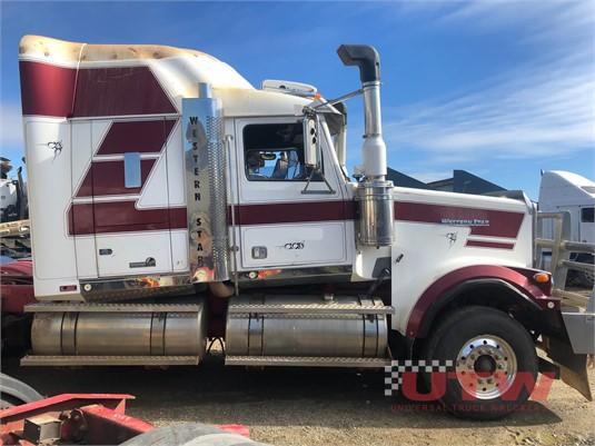 2010 Western Star other Universal Truck Wreckers - Wrecking for Sale