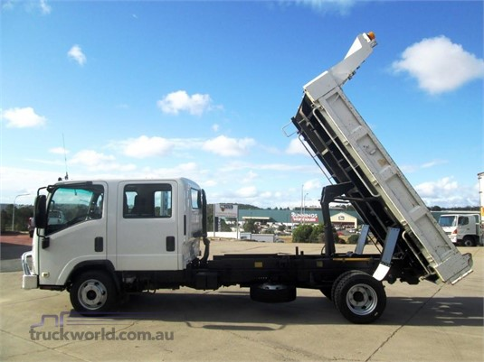 2011 Isuzu other Trucks for Sale