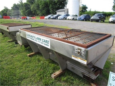 ICE-O-WAY STAINLESS STEEL SALT SPREADER Other Auction