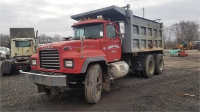 2001 MACK RD688SX DUMP TRUCK Other Items For Sale 1