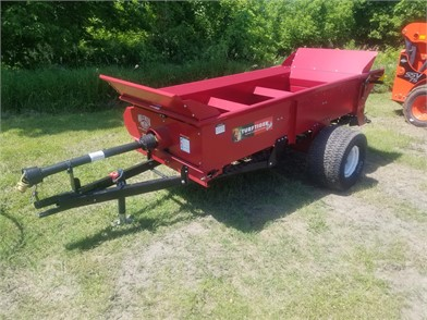 MILLCREEK Dry Manure Spreaders For Sale - 11 Listings
