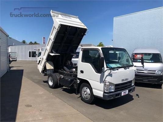 2008 Isuzu ELF - Trucks for Sale