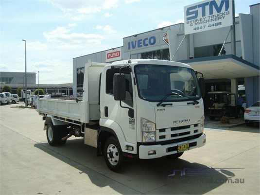 2014 Isuzu FRR 500 - Trucks for Sale