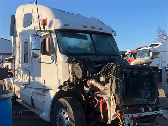 2007 Freightliner CST120 - Wrecking for Sale