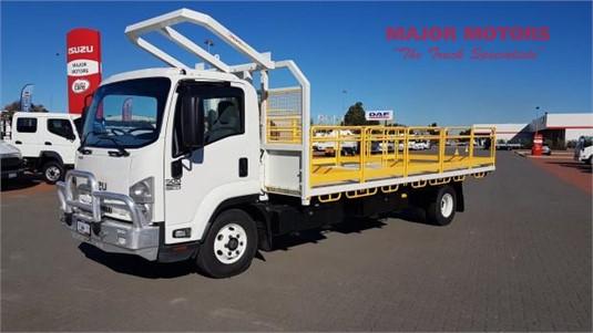 2015 Isuzu FRR 500 Major Motors  - Trucks for Sale