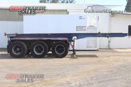 Fruehauf Skeletal Trailer - Trailers for Sale
