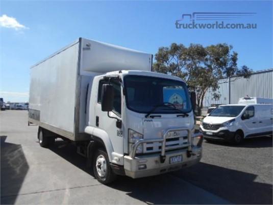 2012 Isuzu FRR 600 Westar - Trucks for Sale